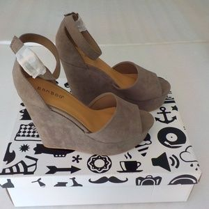 Bamboo Taupe Faux Suede Platform Shoes NEW in BOX